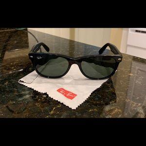 Ray ban women's Wayfarer sunglasses